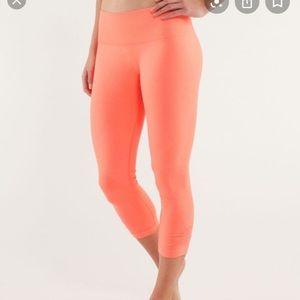 lululemon athletica Pants & Jumpsuits - Lululemon cropped leggings